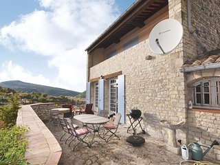 Awesome home in Vaison-la-Romaine w/ WiFi and 2 Bedrooms