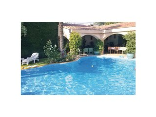 Nice home in St.Marcellin les Vaiso w/ 2 Bedrooms