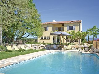 Stunning home in St Marcellin L Vaison w/ Outdoor swimming pool and 7 Bedrooms