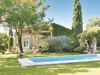 Awesome home in Cheval Blanc w/ Outdoor swimming pool and 3 Bedrooms