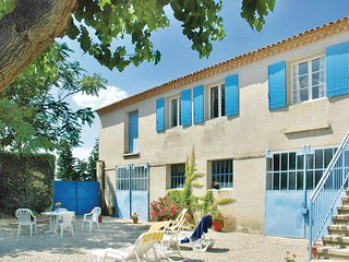Nice home in Ste Cecile les Vignes w/ 4 Bedrooms