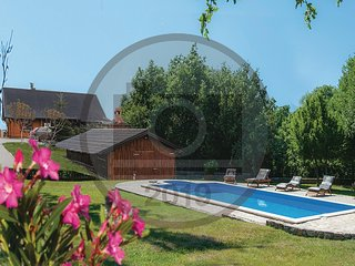 Amazing home in Bukovec w/ Jacuzzi, Sauna and Outdoor swimming pool