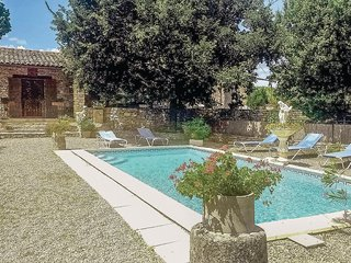Nice home in St Martin De castillon w/ WiFi and 3 Bedrooms