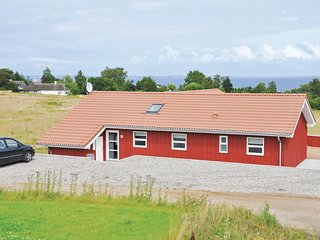 Beautiful home in Augustenborg w/ Sauna, WiFi and 4 Bedrooms