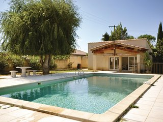 Nice home in Sarrians w/ WiFi and 4 Bedrooms
