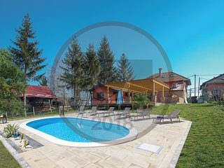 Nice home in Vrbovec w/ Sauna, WiFi and 1 Bedrooms
