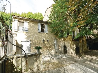 Beautiful home in St Didier w/ WiFi and 1 Bedrooms