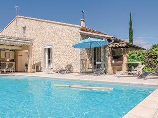 Amazing home in l'Isle sur Sorgue w/ WiFi and 4 Bedrooms (FPV486)