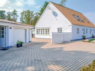 Nice home in Ebeltoft w/ WiFi and 8 Bedrooms