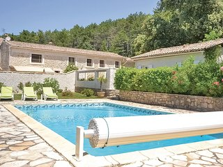 Stunning home in Bollene w/ WiFi, 1 Bedrooms and Jacuzzi (FPV451)