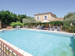 Nice home in Cavaillon w/ WiFi and 6 Bedrooms