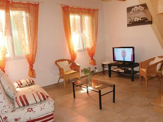 Amazing home in Roussillon w/ WiFi and 2 Bedrooms