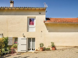 Nice home in Rasteau w/ WiFi and 0 Bedrooms