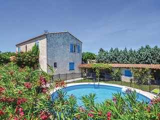 Stunning home in Camaret sur Aigues w/ WiFi and 4 Bedrooms