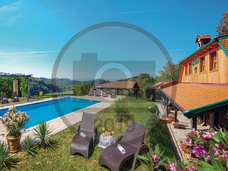 Beautiful home in Klanjec w/ WiFi, 3 Bedrooms and Outdoor swimming pool