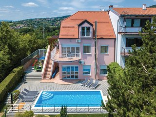 Amazing home in Zagreb w/ Sauna, WiFi and 6 Bedrooms