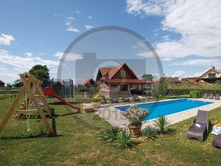 Amazing home in Vrbovec w/ WiFi, Outdoor swimming pool and 2 Bedrooms