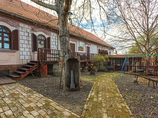 Beautiful home in Aljmas w/ WiFi and 2 Bedrooms