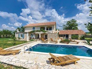 Nice home in Polaca w/ WiFi and 4 Bedrooms (CDA060)