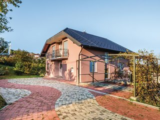 Amazing home in Zagreb w/ WiFi and 4 Bedrooms
