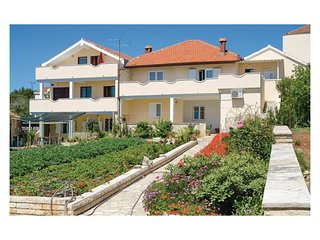 Stunning home in Sv Filip i Jakov w/ WiFi and 2 Bedrooms
