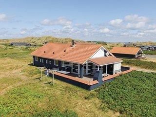 Amazing home in Hvide Sande w/ Sauna, WiFi and 4 Bedrooms