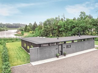 Beautiful home in Ebeltoft w/ Sauna and 3 Bedrooms