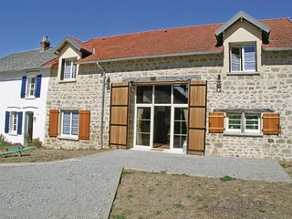 Nice home in Saint Dizier Leyrenne w/ WiFi and 8 Bedrooms