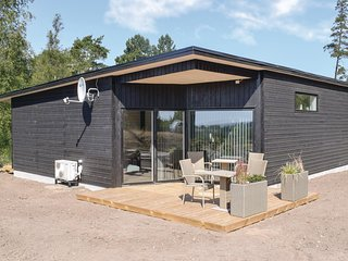 Beautiful home in Ebeltoft w/ WiFi, 3 Bedrooms and Sauna