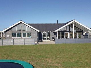 Amazing home in Bogense w/ Sauna, WiFi and 7 Bedrooms