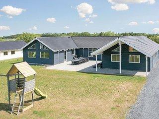 Beautiful home in Bogense w/ Sauna, WiFi and 8 Bedrooms