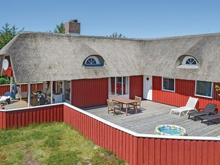 Awesome home in Hvide Sande w/ Sauna, WiFi and 4 Bedrooms (P62121)