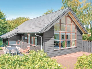 Amazing home in Ebeltoft w/ Sauna, WiFi and 3 Bedrooms