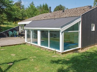 Awesome home in Ebeltoft w/ Sauna and 4 Bedrooms