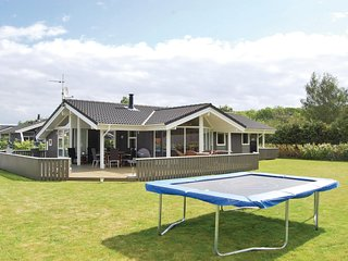 Awesome home in Juelsminde w/ Sauna, WiFi and 3 Bedrooms (D3069)