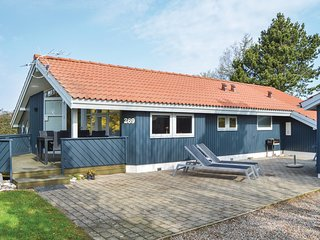 Stunning home in Juelsminde w/ Sauna, WiFi and 3 Bedrooms