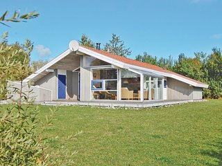 Stunning home in Juelsminde w/ Sauna, WiFi and 4 Bedrooms (D3124)