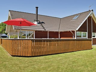 Awesome home in Juelsminde w/ Sauna, WiFi and 3 Bedrooms (D3154)