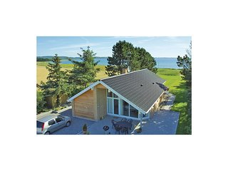 Beautiful home in Ebeltoft w/ Sauna, WiFi and 3 Bedrooms