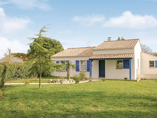 Nice home in St Maixent sur Vie w/ 3 Bedrooms
