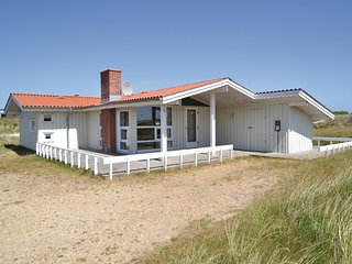 Awesome home in Hvide Sande w/ Sauna, WiFi and 4 Bedrooms