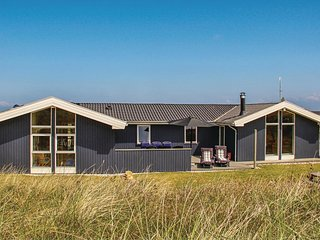 Nice home in Hvide Sande w/ Sauna, WiFi and 3 Bedrooms