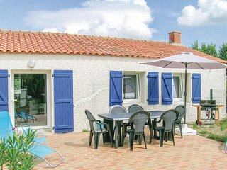 Stunning home in St Urbain w/ WiFi and 1 Bedrooms
