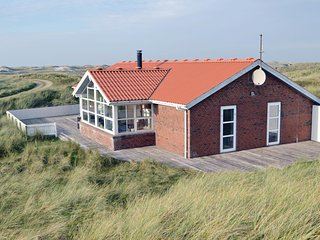 Awesome home in Hvide Sande w/ WiFi and 4 Bedrooms (P62609)