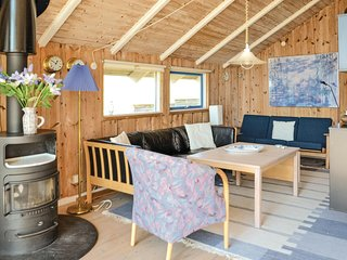 Awesome home in Hvide Sande w/ Sauna, WiFi and 2 Bedrooms
