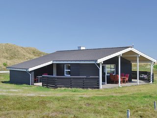 Amazing home in Hvide Sande w/ WiFi and 3 Bedrooms