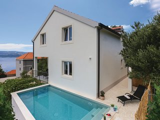 Stunning home in Stanici w/ Jacuzzi, WiFi and 3 Bedrooms