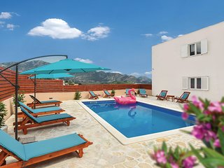 Stunning home in Solin w/ WiFi and 5 Bedrooms