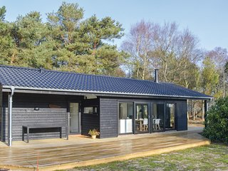 Amazing home in Hadsund w/ WiFi and 3 Bedrooms