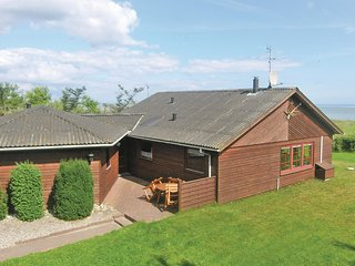Amazing home in Hadsund w/ Sauna, WiFi and 4 Bedrooms (D6624)